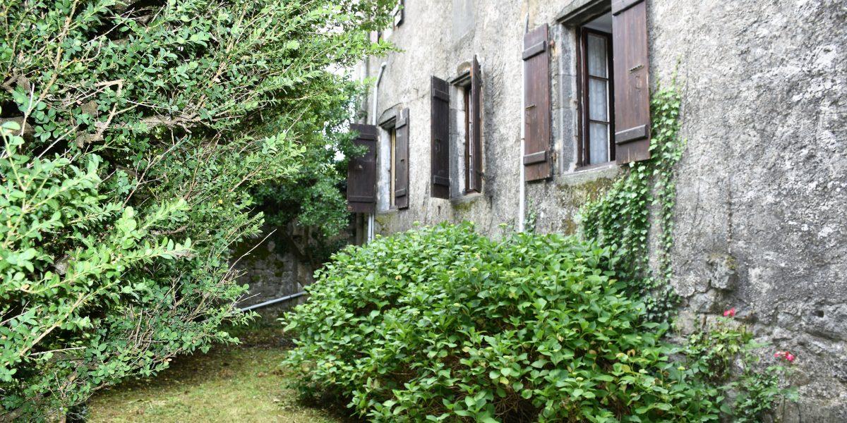 A Acheter – Demeure Historique – Centre Village MAYRES
